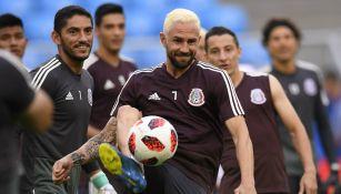 Jugadores de la Selección Mexicana durante entrenamiento previo al duelo contra Brasil
