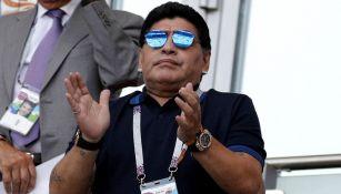Maradona anima a Argentina en un partido del Mundial