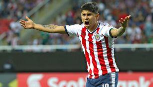 Eduardo López se lamenta en un juego con Chivas durante el C2018