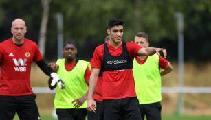 Jiménez en entrenamiento con Wolverhampton