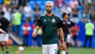Layún en los calentamientos de México durante el Mundial