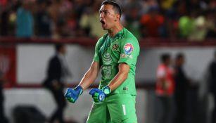 Marchesín celebra un gol con América