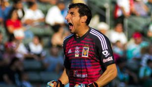 Nahuel Guzmán lanza un grito en un juego de Tigres