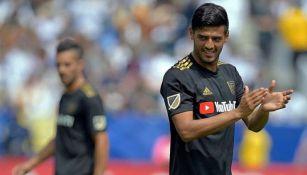 Carlos Vela festeja gol con LAFC