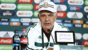 Tuca Ferretti durante conferencia de prensa