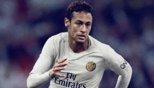 Neymar Jr. portando la playera del PSG