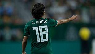 Diego Lainez en el partido contra Uruguay