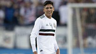 Edson Álvarez durante el partido entre México y Estados Unidos