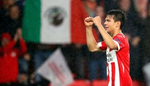 Lozano celebra anotación con el PSV