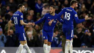 Jugadores del Chelsea durante partido de la Premier League