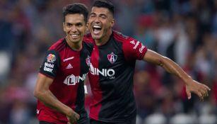 Ulises Cardona y Jefferson Duque celebran anotaciones vs Toluca