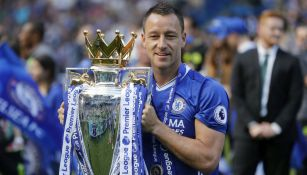 John Terry levanta el título de la Premier League