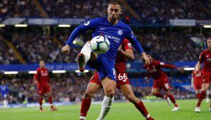 Hazard en partido con el Chelsea