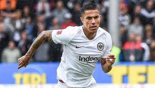 Salcedo, en un encuentro con el Eintracht Frankfurt