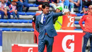 Cardozo da indicaciones en el juego entre Chivas y Lobos BUAP