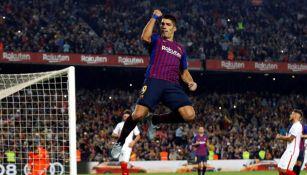 Suárez festejando un gol con el Barcelona