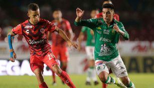 Leonel López, durante juego de León contra Veracruz