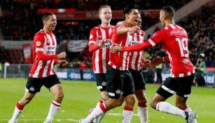 Guti celebra anotación con el PSV
