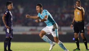 Alexis Pérez celebra anotación contra Veracruz