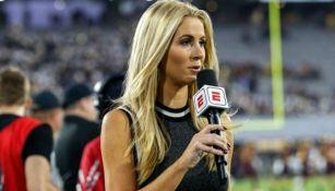 Laura Rutledge, durante una cobertura para ESPN