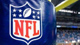 Logo de la NFL durante un partido