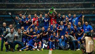 Cruz Azul celebra título de Copa MX en el Estadio Bancomer
