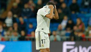 Lucas Vázquez se lamenta tras su expulsión frente a la Real Sociedad