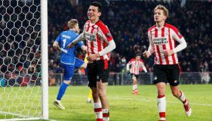 Hirving Lozano durante un juego del PSV