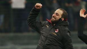 Higuaín festeja un triunfo del Milan