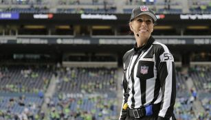 Sarah Thomas en un partido de NFL
