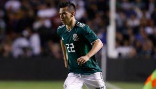 Lozano, durante un duelo con la Selección Mexicana