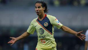 Diego Lainez festeja gol con América