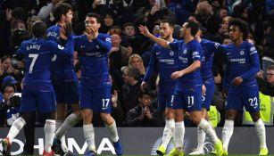 Jugadores del Chelsea festejan triunfo