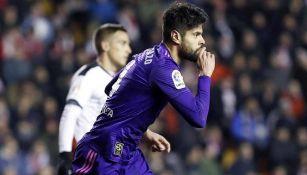 Néstor Araujo festeja su primer gol con el Celta de Vigo
