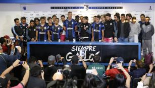 Jugadores de Querétaro durante una conferencia de prensa