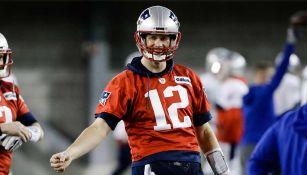 Tom Brady en un entrenamiento de los Patriots