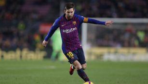 Messi controla el balón en el juego entre Barcelona y Leganés