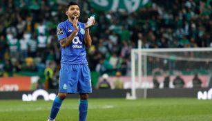 Corona en partido con el Porto