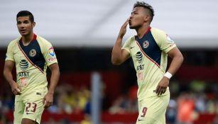 Roger Martínez en el festejo de su gol