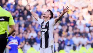 Paulo Dybala festeja un gol con Juventus