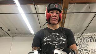 Cris Cyborg en un entrenamiento