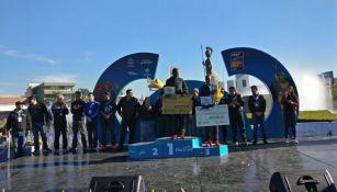 Ganadores del Medio Maratón de Guadalajara reciben sus respectivos premios