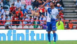 Edwin Cardona festeja doblete ante Xolos