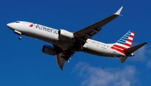 Avión se dispone a aterrizar en el aeropuerto de La Guardia
