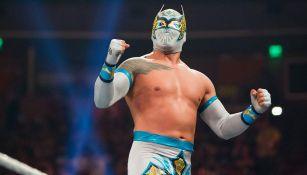 Sin Cara en una lucha con la WWE