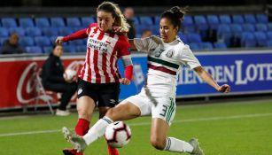 Acción durante un compromiso amistoso entre el Tri Femenil y el PSV