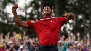Tiger Woods celebra su victoria en el Masters