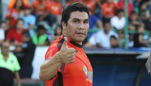 Salvador Cabañas durante un partido de leyendas