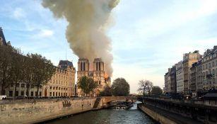 Catedral de Notre Dame durante el incendio