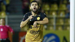 Amaury Escoto festeja gol contra Cimarrones